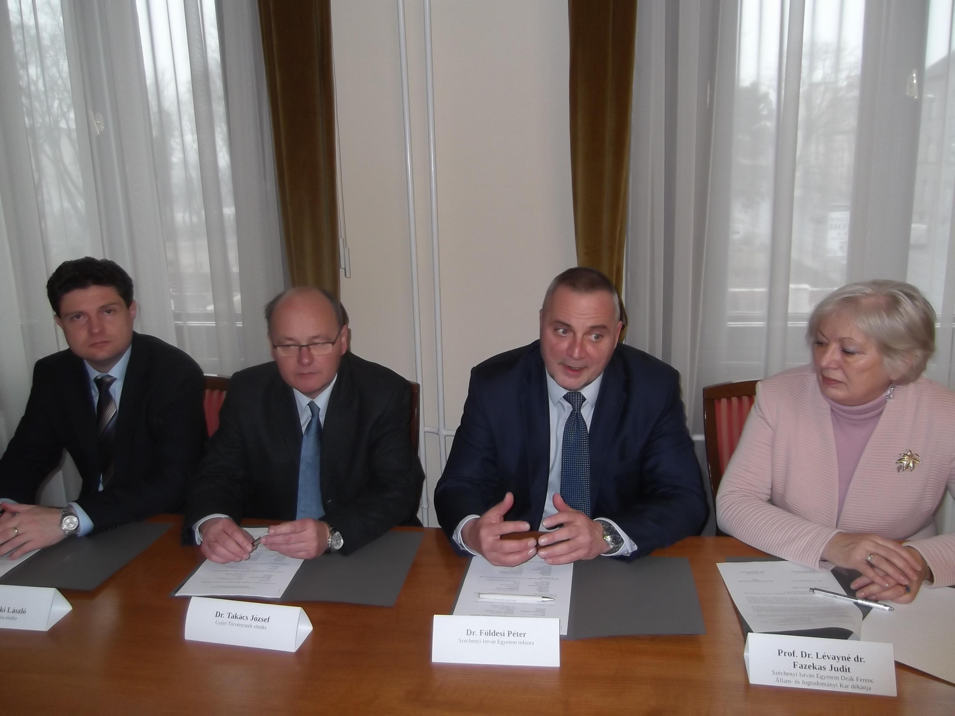 Háromoldalú együttműködési megállapodás bíróságok és egyetem között Győrben