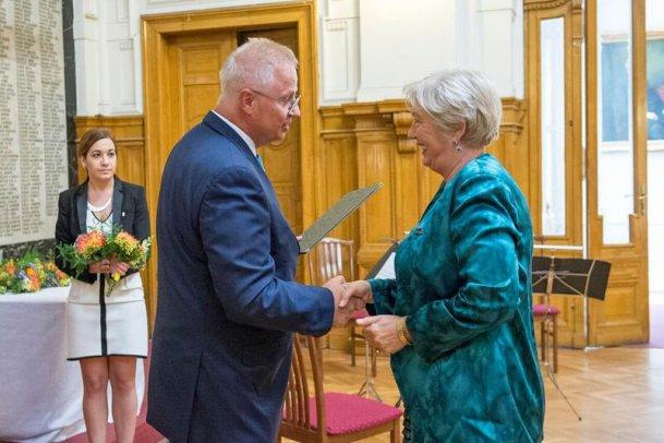 Moór Gyula díjat kapott Dr. Lévayné Prof. Dr. Fazekas Judit